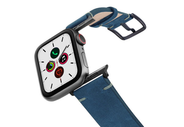 Arctic-Night-AW-blue-vintage-band-with-case-on-on-air