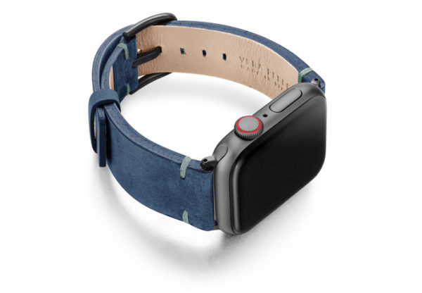 Arctic-Night-AW-blue-vintage-band-with-case-on-right
