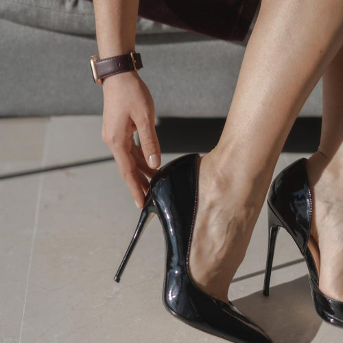 Burgundy-AW-nappa-leather-band-close-up-closest-to-elegant-shoes