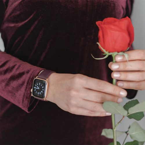 Burgundy-AW-nappa-leather-band-keeping-a-red-rose