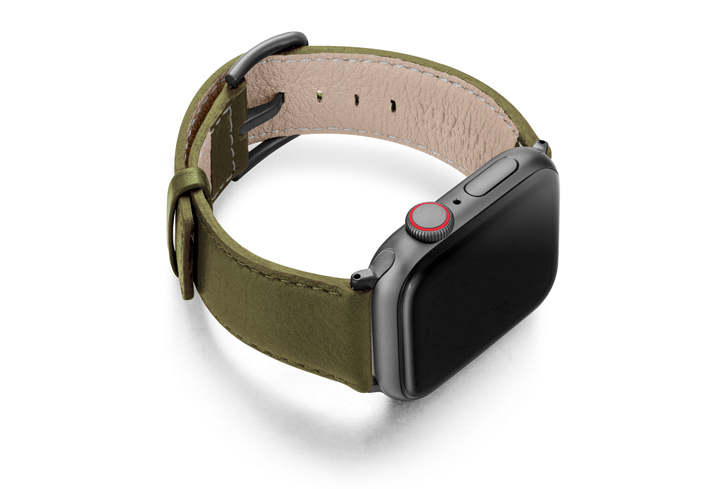 Musk-AW-green-nappa-leather-band-with-case-on-right
