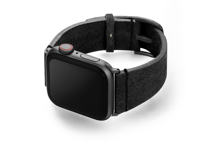 Forest-Black-Apple-Watch-heritage-leather-band-with-case-on-left