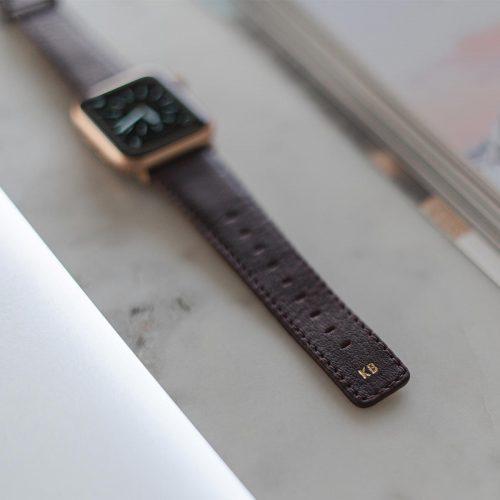 Burgundy-Apple-watch-nappa-calf-leather-band-close-up-on-monogram