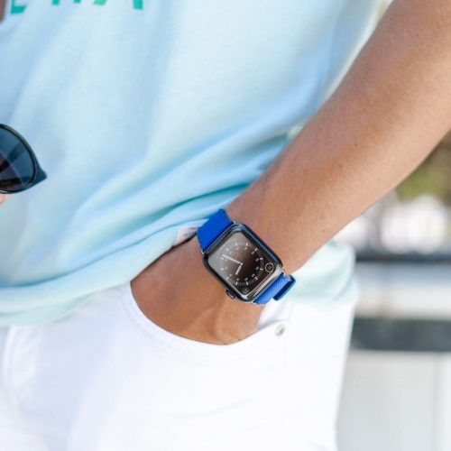 Deep-Ocean-Apple-watch-blue-rubber-band-on-turquoise-shirt
