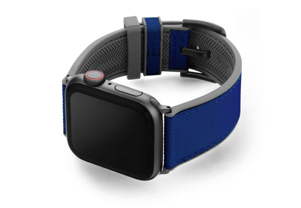 Deep_ocean_AW-Blu-natural-rubber-band-with-left-case-in-a-grey-lining-version