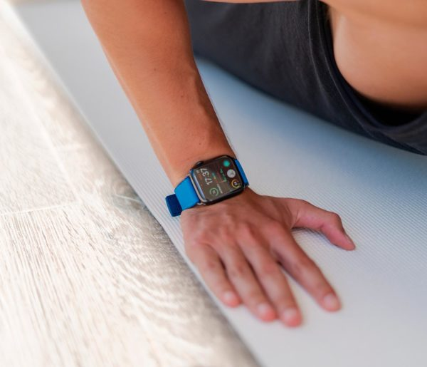 Electric-Blue-Apple-watch-rubber-band-training-workout