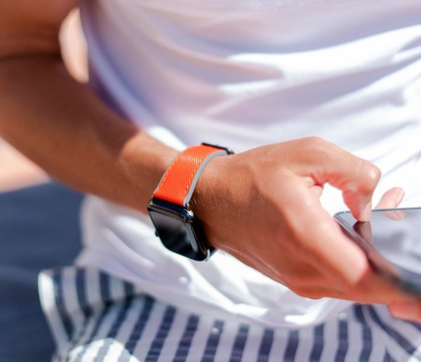 Lobster-Apple-watch-red-orange-rubber-band-texting-a-message-with-own-iphone