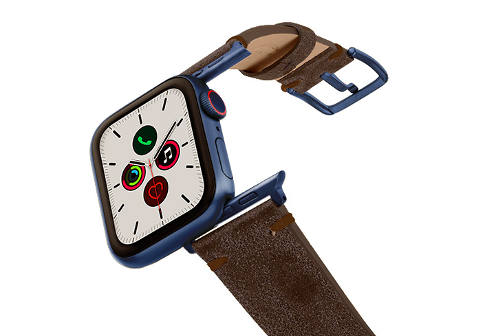 Deep-Foosil-AW-ancient-brown-leather-band-with-blue-adapters