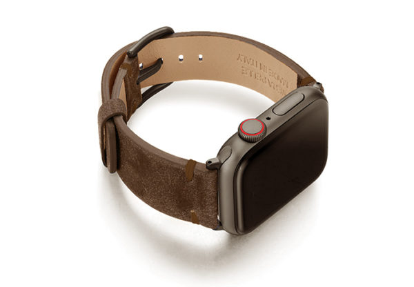 Deep-Foosil-AW-ancient-brown-leather-band-with-case-on-right