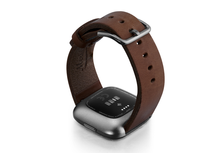 Burnt-Fitbit-Watch-deep-brown-full-grain-leather-band-with-carbon-aluminium-back-case