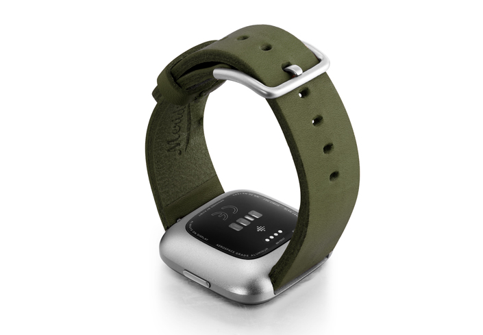 Deep-Leaf-Fitbit-Watch-brown-full-grain-leather-band-with-back-case
