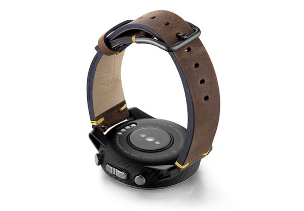 Amazfit-Stratos-old-brown-vintage-band-with-display-on-back