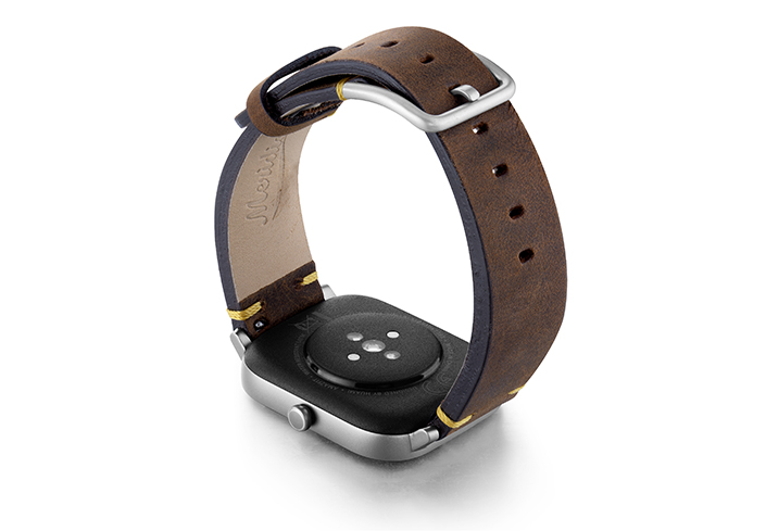 Amazfit-GTS-old-brown-vintage-band-with-display-on-back
