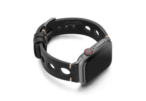 Black-AW-urban-leather-band-on-right-space-grey
