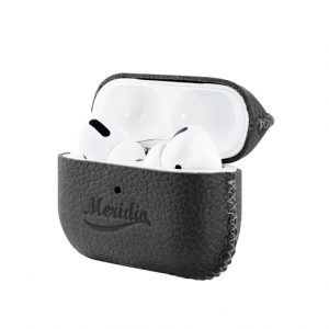 Airpods_Pro_JET_BLACK_leather_case-opening