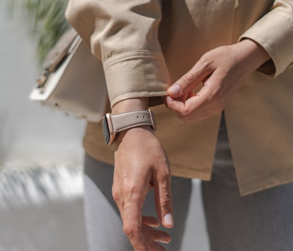 Bisque-Apple-watch-recycled-vegan-band-for-her-sunny-day
