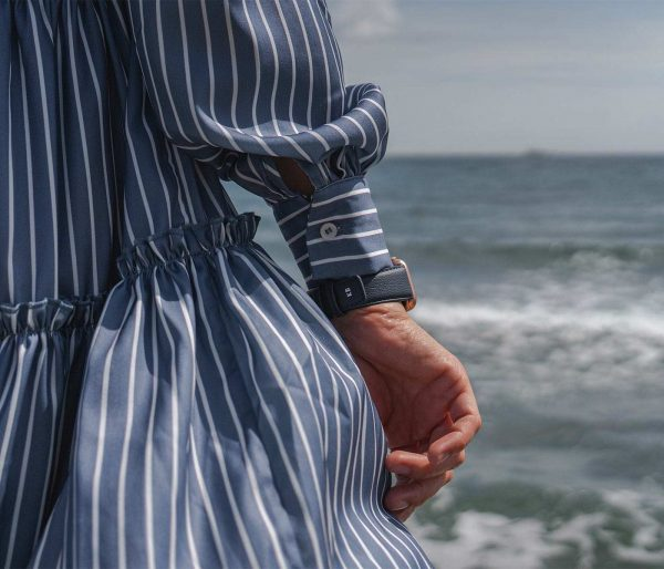 Blue-Cider-Apple-watch-recycled-vegan-band-for-her-close-to-sea