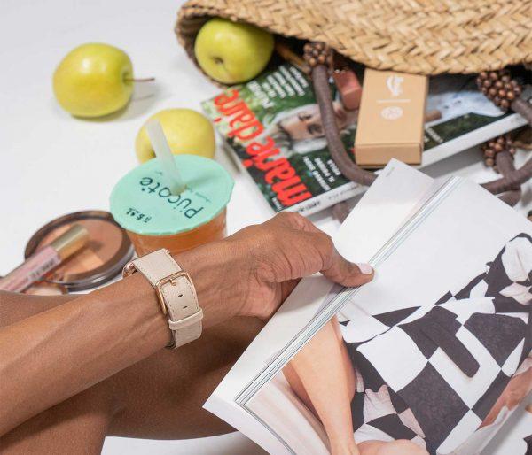 Bisque_Apple_watch-lifestyle-black_wrist